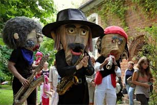 Sax Puppets - Musik Walk Act und Mobile Band Berlin